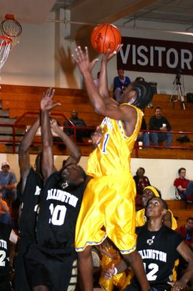 Indian Jerrell Shanklin shots a jumper.