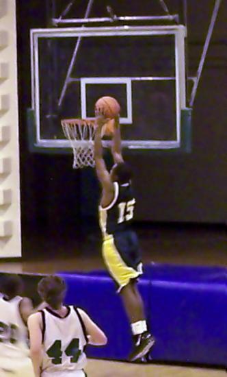 Jonathan Newbell dunks